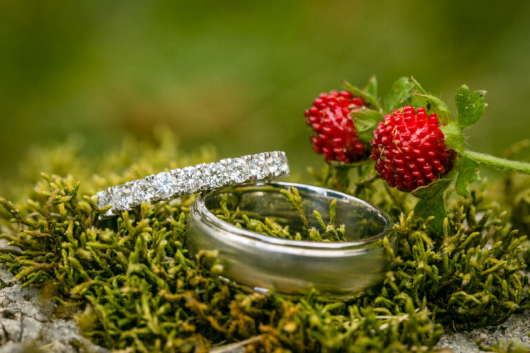 wedding rings with wild strawberries